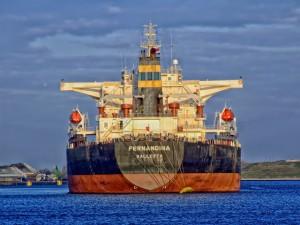freightliner-385677_640