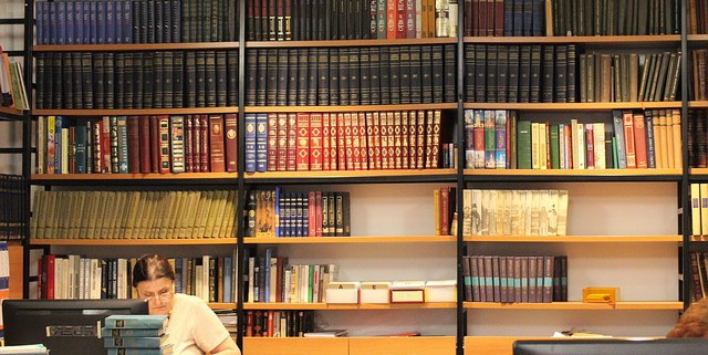 library-995182_640