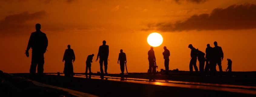 silhouettes-582969_960_720